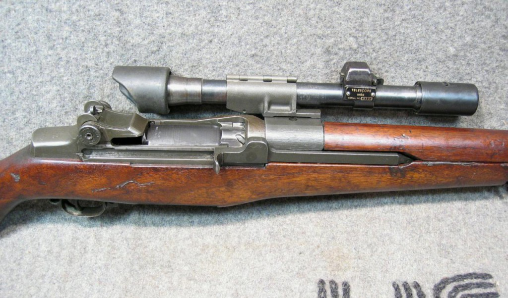 <b>M1-D Garand Sniper Rifle</b> [online]. <i>source: http://www.militariaauctionsetc.com/firearms_m1-d_garand_cw_smith_carbine#Next</i>